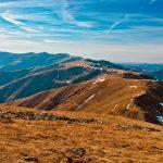 Explorand Muntii Iezer&Papusa