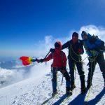 Unde se avanta vulturii - Varful Kazbek 5047 m - Muntii Caucaz