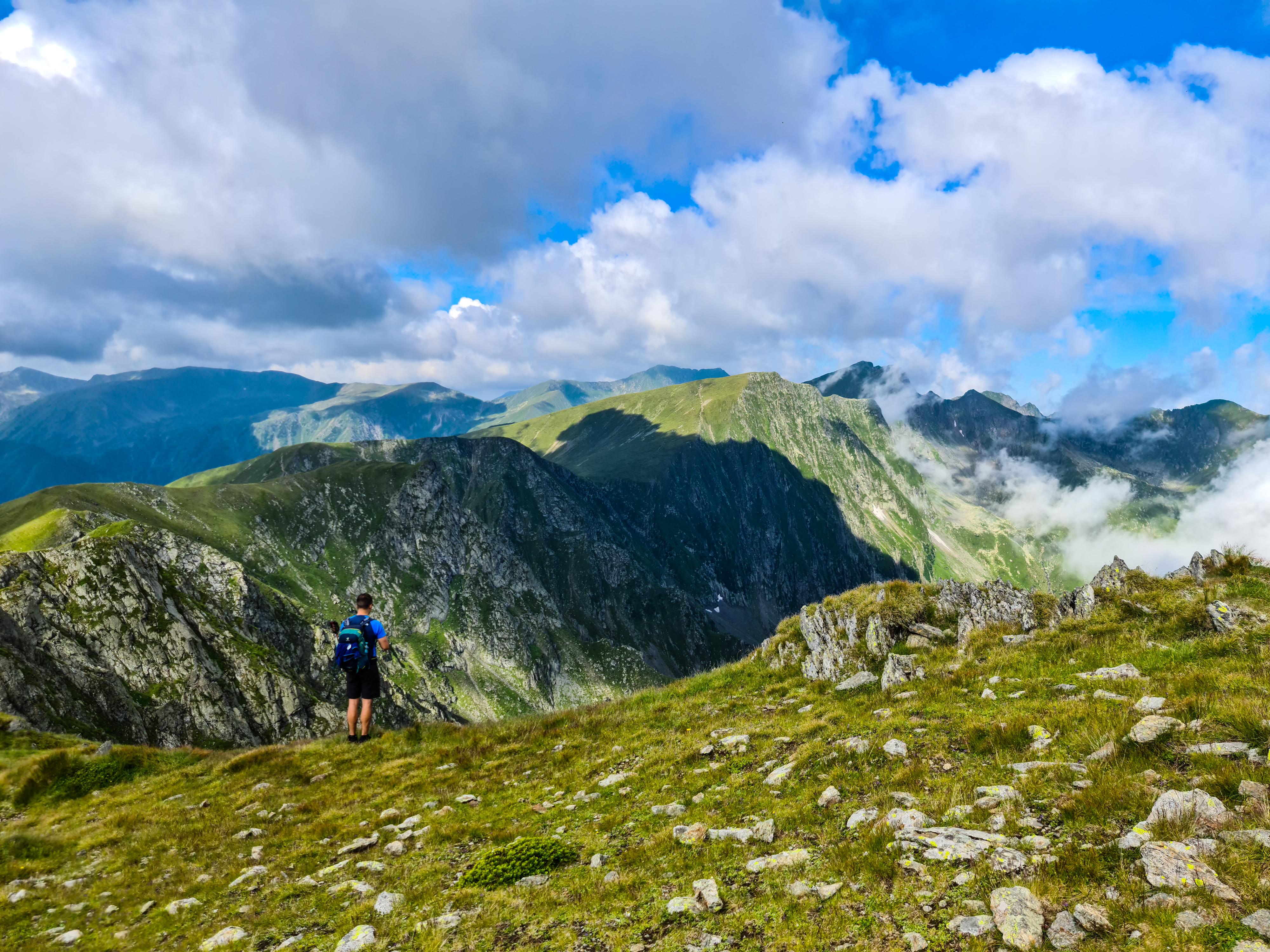 Un rucsac usor pentru ture montane rapide sau tehnice