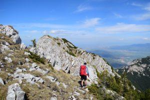 Echiparea rucsacului de munte